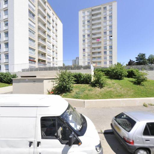 Naidji Ahlem - Coiffeur - Joinville-le-Pont