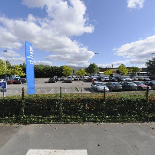 Parking Parc relais navibus Trentemoult-Dépôt - Parking - Rezé