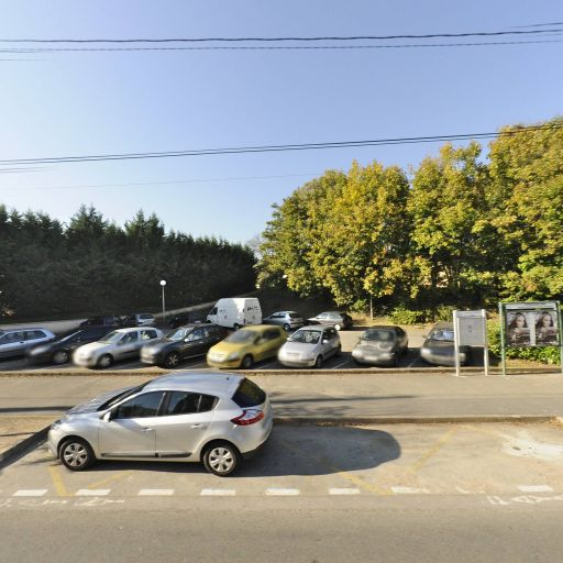 Parking Charles De Gaulle - Parking - Tassin-la-Demi-Lune