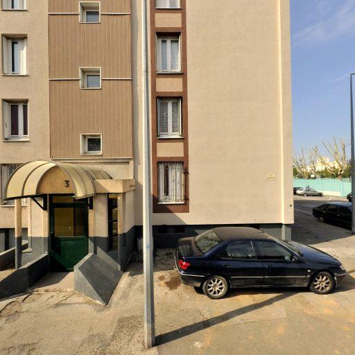 Maadoul Abdelrrahim - Pièces et accessoires automobiles - Nîmes