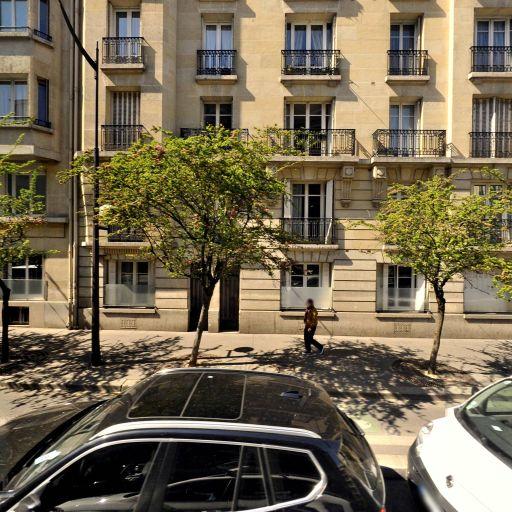 Castelain Emma Neyrelle - Conseil en communication d'entreprises - Paris