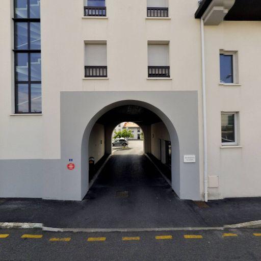 Bf vtc - Location d'automobiles avec chauffeur - Biarritz