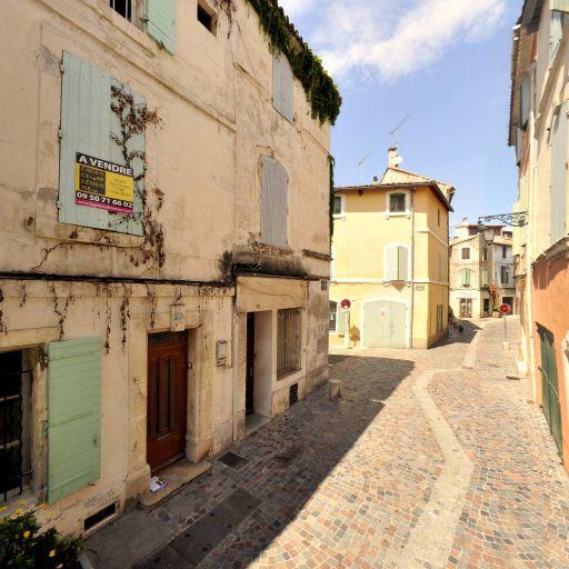 Perrin Magali - Enseignement pour les professions artistiques - Arles