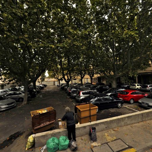 Niche d'angle vide - Attraction touristique - Arles