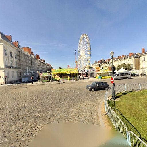 Place Du Maréchal-Foch - Attraction touristique - Nantes