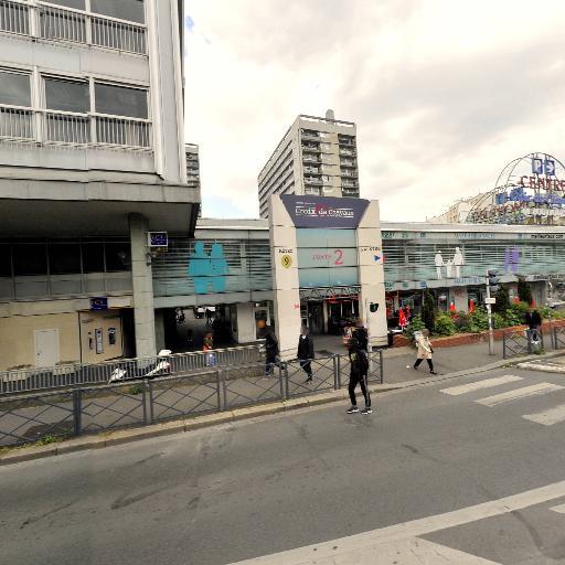 Centre Commercial Croix De Chavaux - Banque - Montreuil
