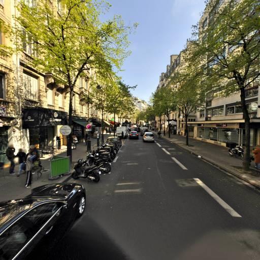 Razafindramiadana - Soins hors d'un cadre réglementé - Paris