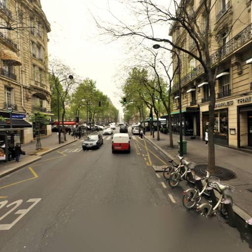 Station Vélib' Raymond Poincaré - Place Victor Hugo - Vélos en libre-service - Paris