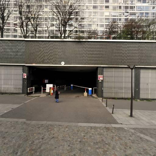 Anne Quoniam - Soins hors d'un cadre réglementé - Paris