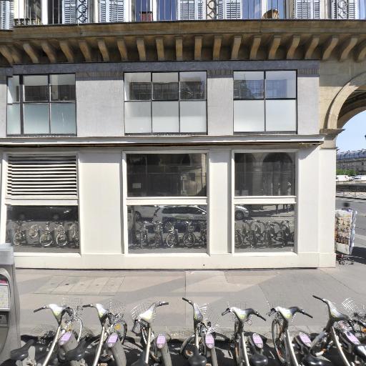 Station Vélib' Oratoire - Rivoli - Vélos en libre-service - Paris