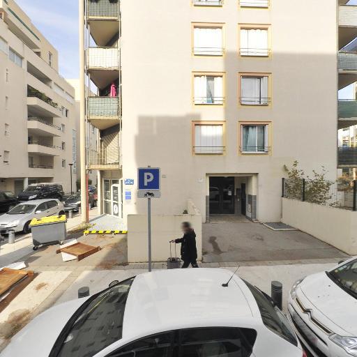 Aurore Scholl - Masseur kinésithérapeute - Montpellier