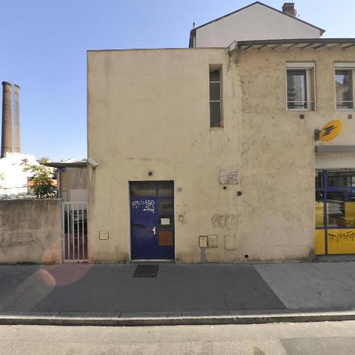 La Poste - Envoi et distribution de courrier - Villeurbanne