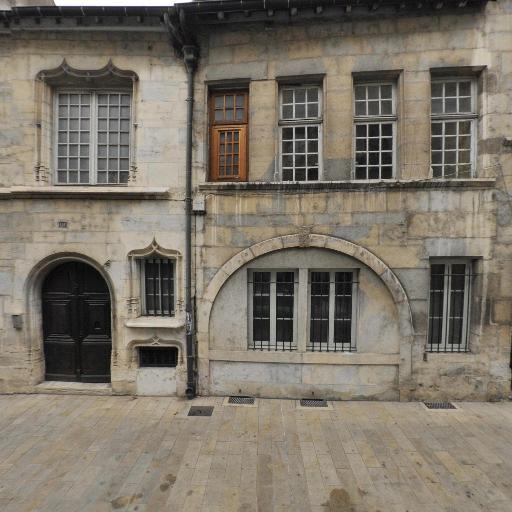 Soeurs De La Charité - Église catholique - Besançon