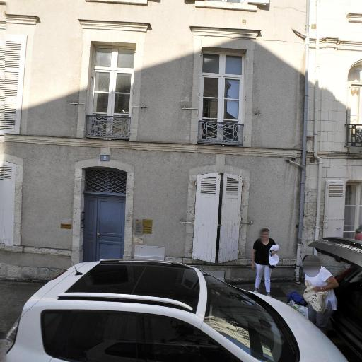 Sandrine Filippini - Soins hors d'un cadre réglementé - Blois
