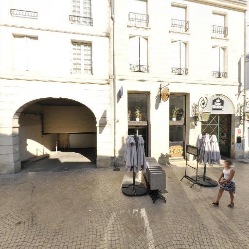 Blue Com - Agence de publicité - Poitiers