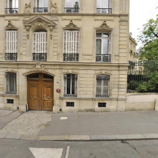 Artinano Ana - Conseil en communication d'entreprises - Paris