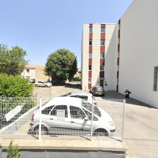 Pharmacie Tour de l'Eveque - Pharmacie - Nîmes