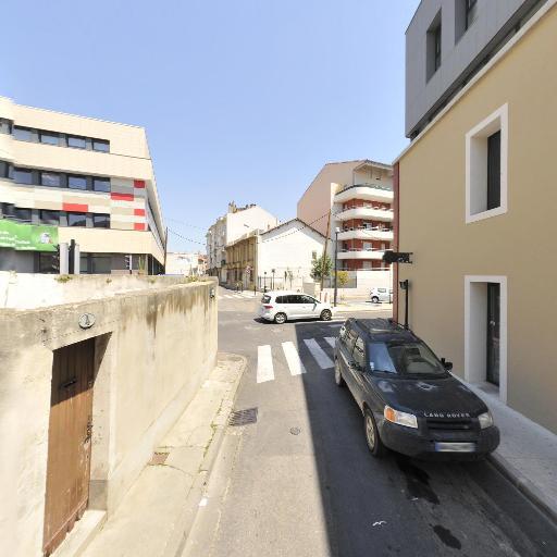 Pharmacie Cirque Romain - Pharmacie - Nîmes