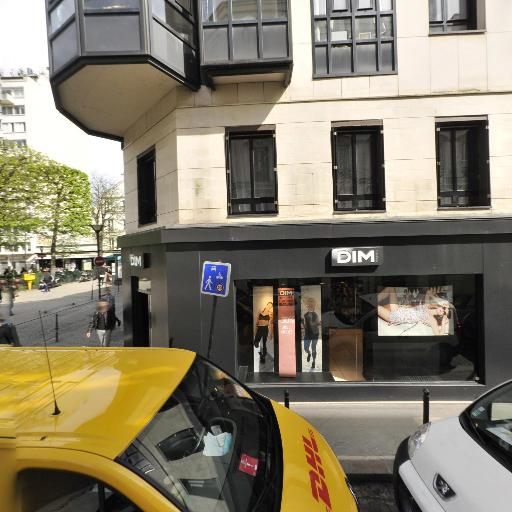 Place Du Commerce - Parc et zone de jeu - Paris