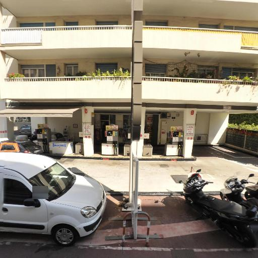 Total - Station-service - Cannes