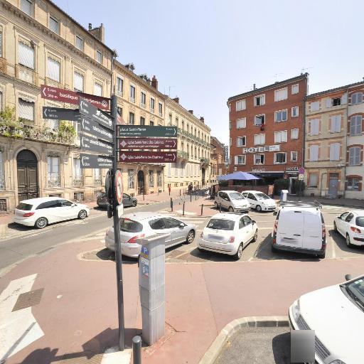 Borne de rechargement TOULOUSE - Faculté de droit - Borne de recharge - Toulouse